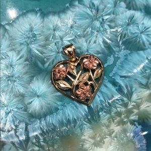 Jewelry - Delicate 10K Gold Heart Pendant